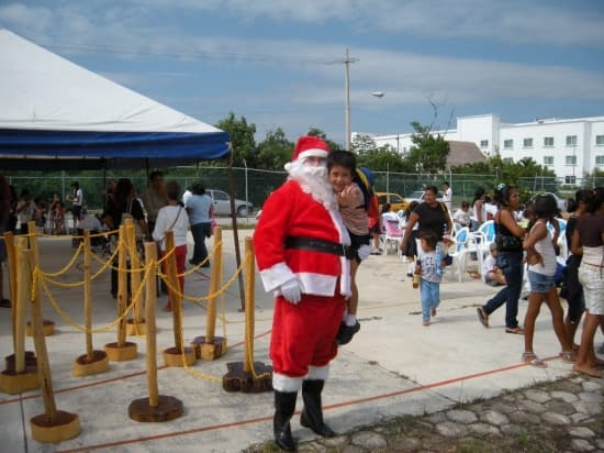 Explore The Beauty Of Caribbean: Ryndam Spreads Holiday Cheer In Costa Maya