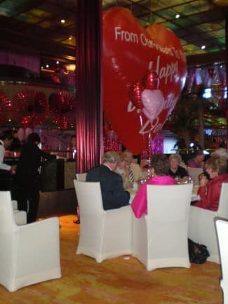 Giant heart-shaped Valentine's Day balloon at La Fontaine.