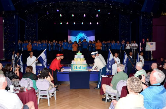 Statendams Cake Features 140 Electric Candles for 140 Years