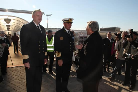 Hotel Director Ron Bontenbal and Captain Keijer greet Saguenay Mayor Jean Tremblay.