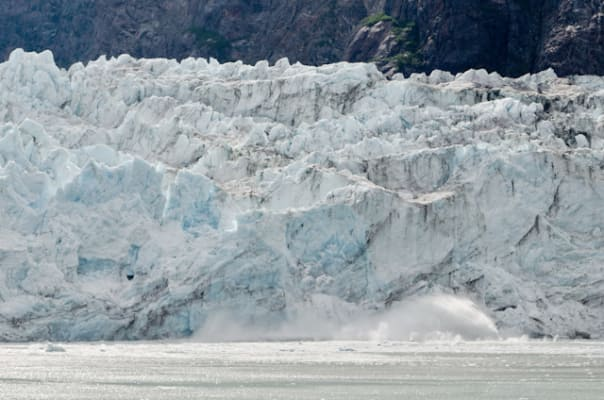 Margerie Glacier calves into Tarr Inlet in Glacier Bay National Park. Photo by Aaron Saunders.