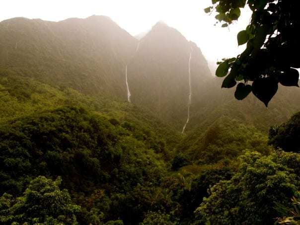 The volcanic mountains of Lahaina, Hawaii, are a spectacular sight.