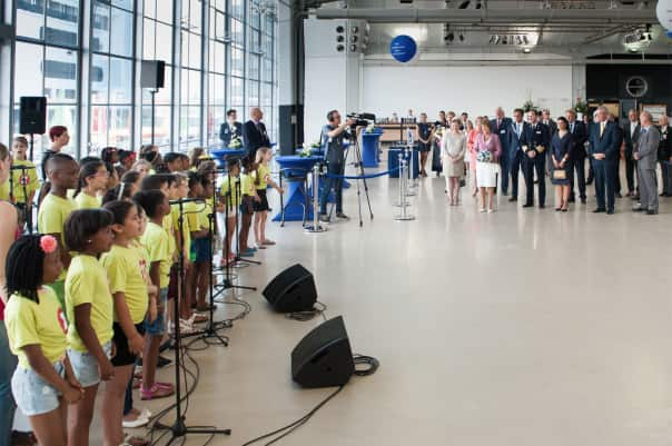 "Rotterdam Express, a local children's choir, sang ""Hello Rotterdam"" for Her Royal Highness Princess Margriet of the Netherlands."