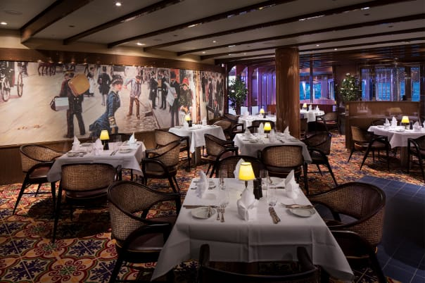 From the decor to the menu, Sel de Mer is modeled after a French brassiere.