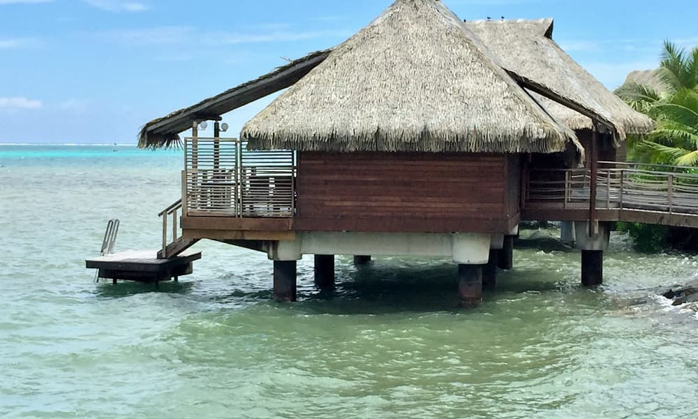 Overwater bungalow InterContinental Tahiti