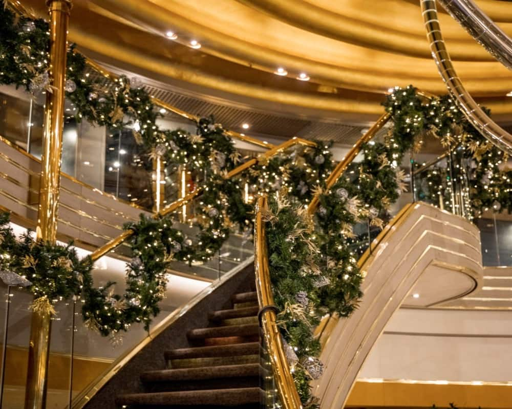 Zuiderdam holiday decor