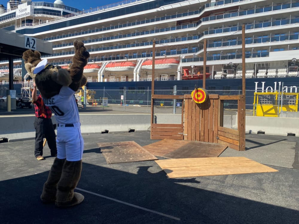 The Mariner Moose hit the target!