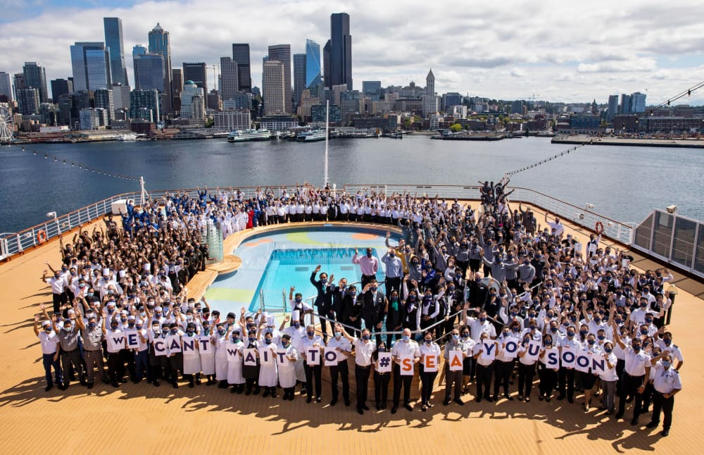 Team Nieuw Amsterdam in front of Downtown Seattle