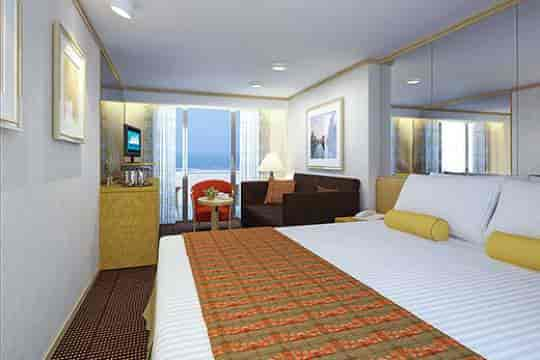 Vista Suite, queen bed configuration (lower resolution)
