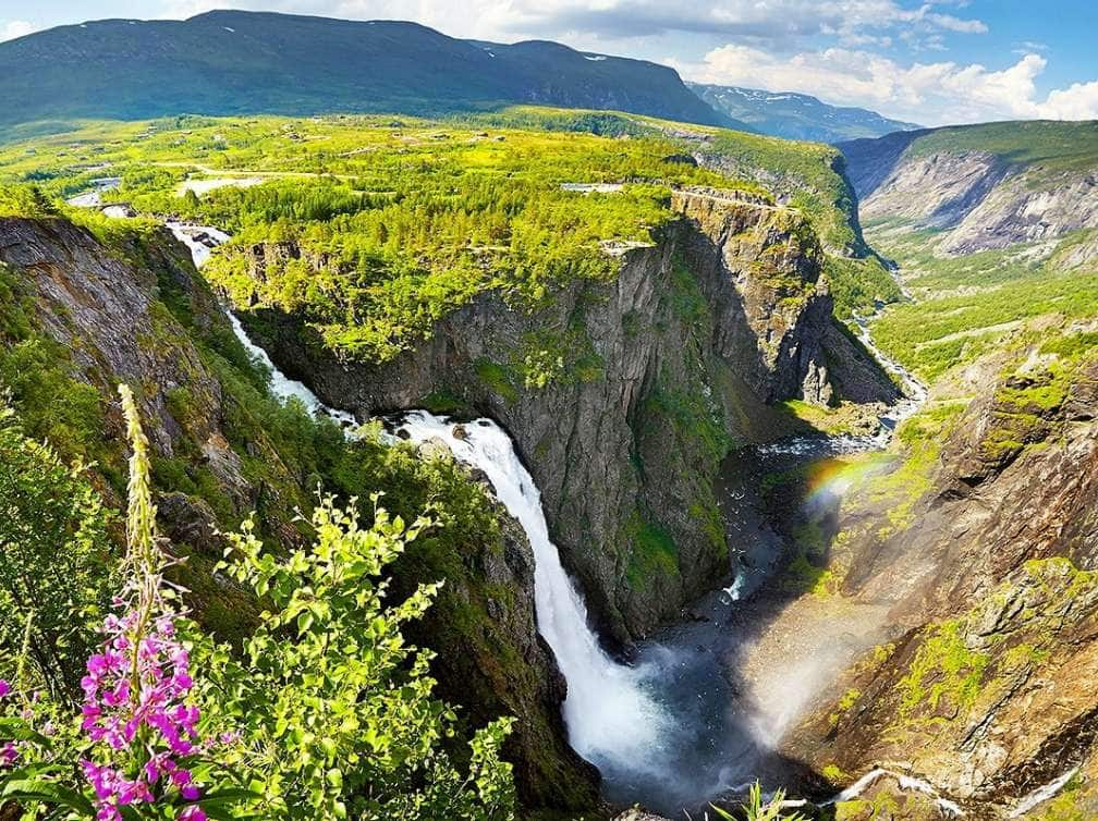WaterfallinEidfjord,Norway